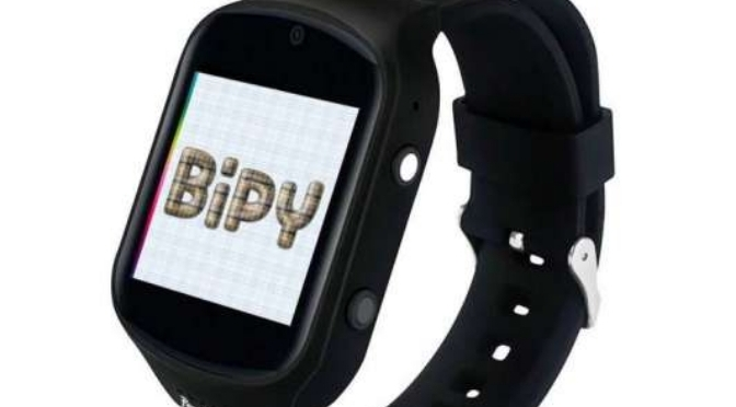 Llegó a la Argentina Bipy: el reloj inteligente que ayuda a la gente mayor